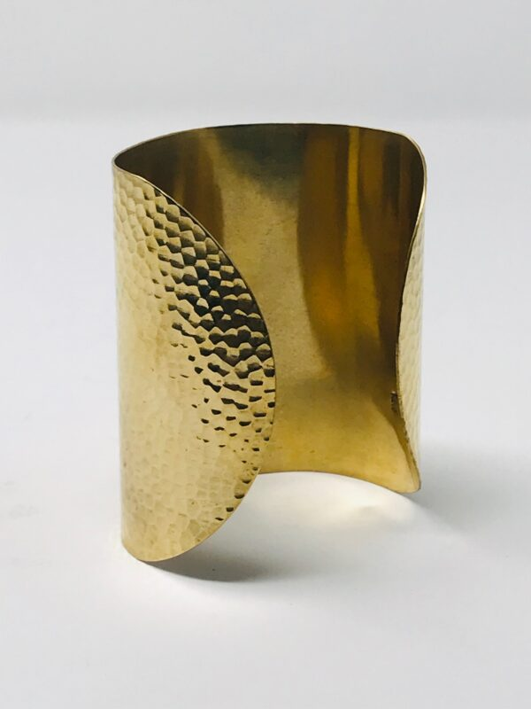 Hammered Cuff back1